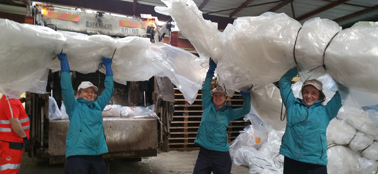 Collecte de housses plastiques ©PNRMR