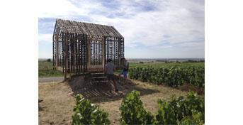 Nouvelle loge de vigne à Trépail créée dans le cadre des Universités d'été