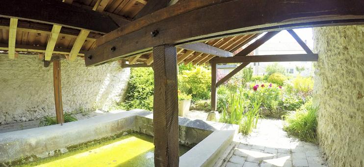 Lavoir du hameau de Orcourt ©PNRMR